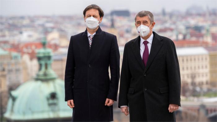 Визит премьер - министра Э.Хегера в Прагу