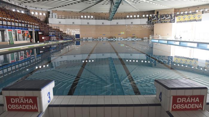 Plavci a otvorenie bazénov