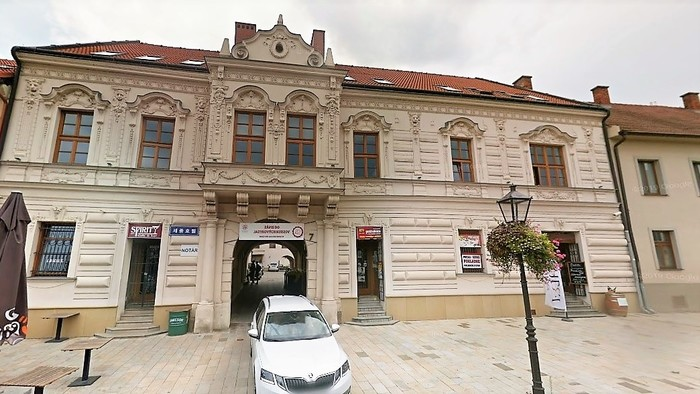 História blízka vzdialená / Hrozila skutočná streľba na divadelnom predstavení v Trnave?