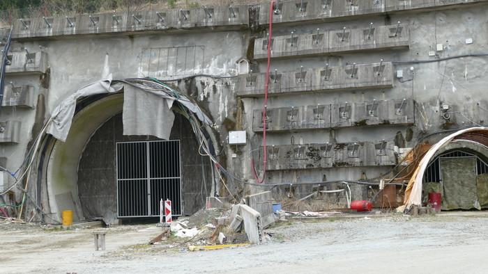 K veci: Tunel Višňové