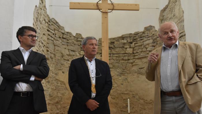 Blahoželáme archeológovi profesorovi Alexandrovi Ruttkayovi