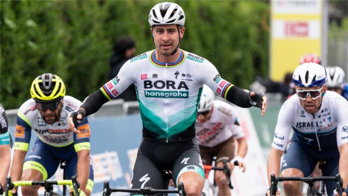 Sagan triumfoval v 1. etape Okolo Romandie
