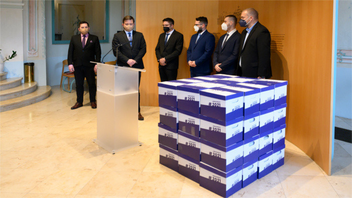 Signatures for early election submitted to President