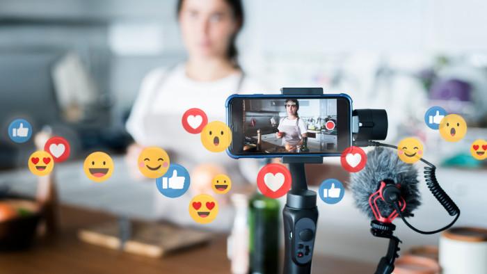 Kto sú dezinfluenceri? Stanú fenoménom sociálnych sietí?