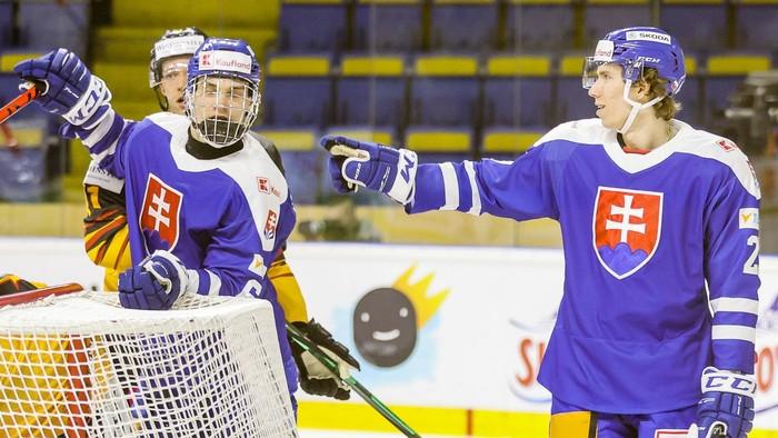 Slovensko uzatvára v Česku prípravu na MS v hokeji 2021