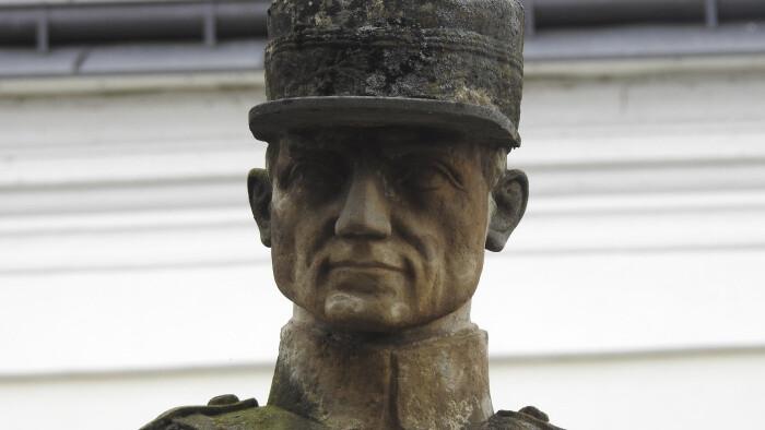 Na miestach starej Bratislavy, kde študoval a býval M. R. Štefánik