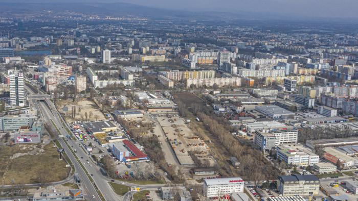 Ružinovskí poslanci riešili aj problém degradácie vzácnej budovy