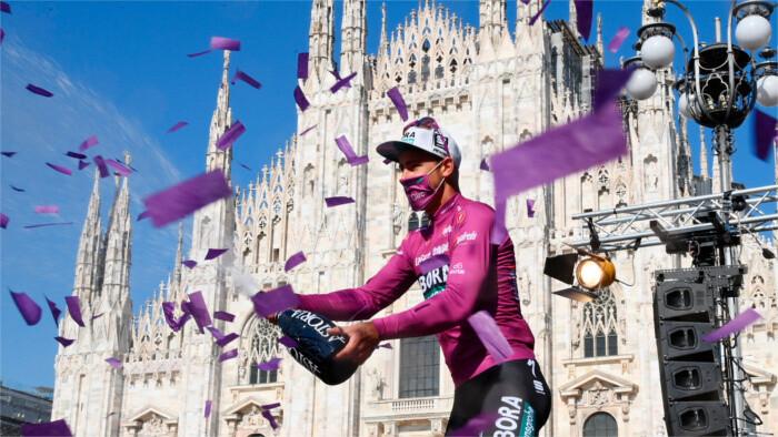 Sagan wins cyclamen jersey at Giro d'Italia