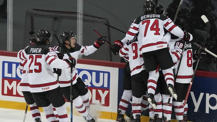 Kanada otočila duel s Ruskom, v semifinále vyzve USA