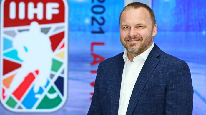 Pavol Gašpar priamo z Rigy: Ako si výprava RTVS kráti čas medzi zápasmi?