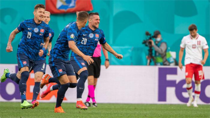 Eslovaquia vence a Polonia 2:1 en Eurocopa de futbol