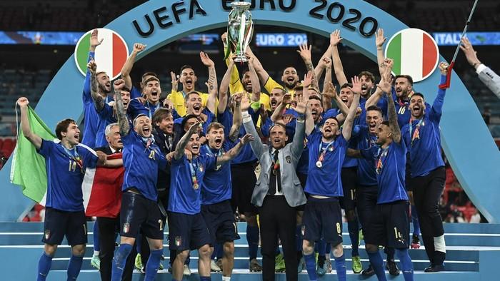Taliansko je majstrom Európy. V penaltovej dráme porazilo Anglicko
