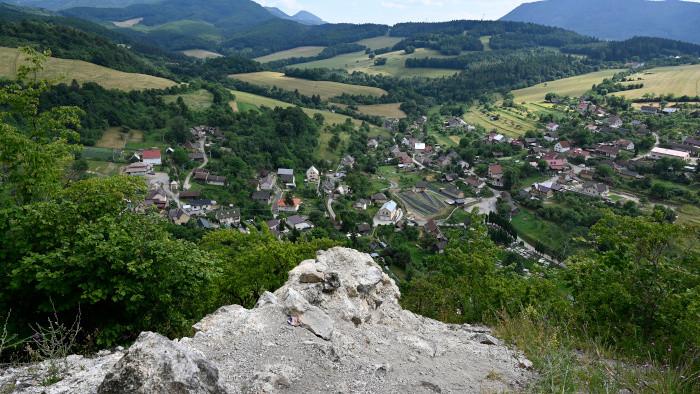Burgruine Košeca als Ausflugsziel