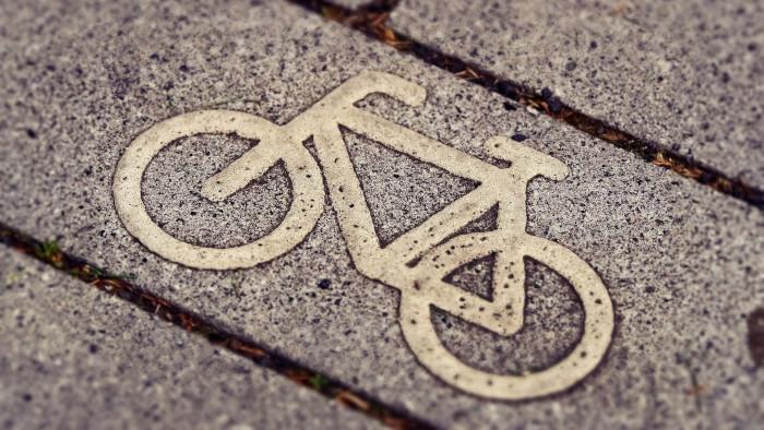 Vo Veľkom Šariši spúšťajú zdieľanie bicyklov pre hendikepovaných
