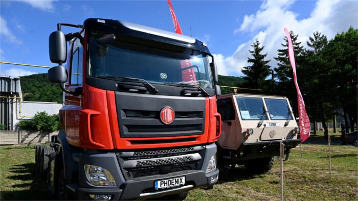 Le retour des légendaires camions Tatra en Slovaquie