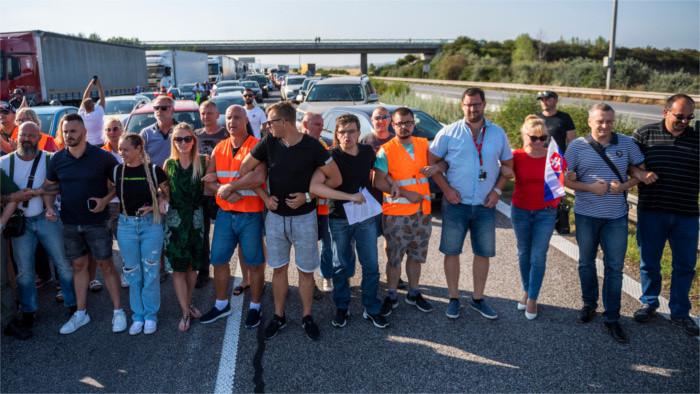 Protesty pendlerov na hraniciach