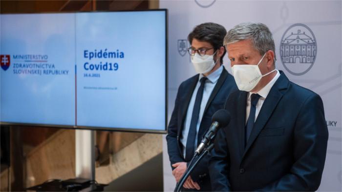 Začala sa tretia vlna pandémie koronavírusu