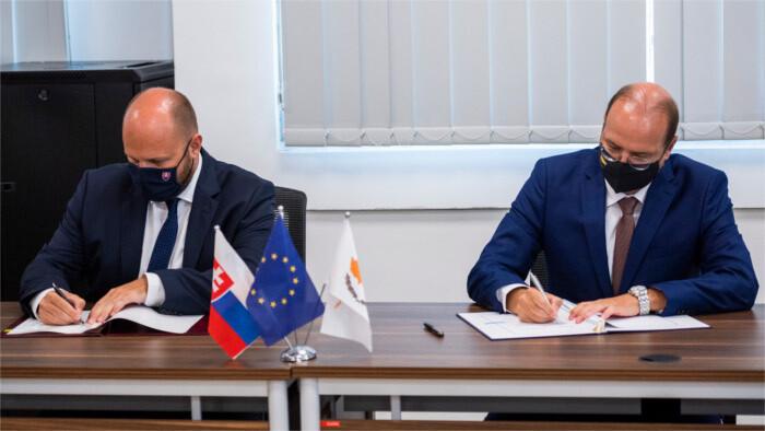 Eslovaquia y Chipre pactan un memorando sobre cooperación militar