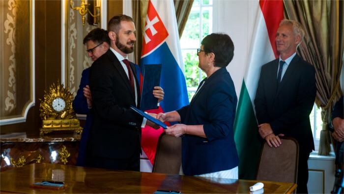 Novela zákona o Slovákoch žijúcich v zahraničí