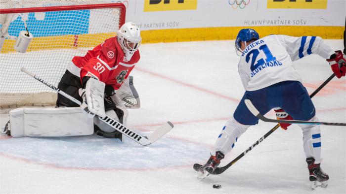 Словацкие хоккеисты братиславскую «битву за Пекин» начали с победы!