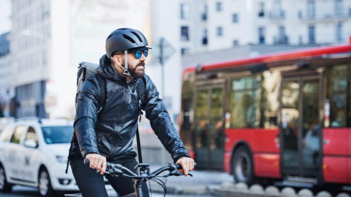 Ako zabrániť problému s cyklistami v mestách?