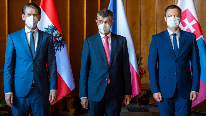 Babis, Heger and Kurz: Afghans must receive aid in their country