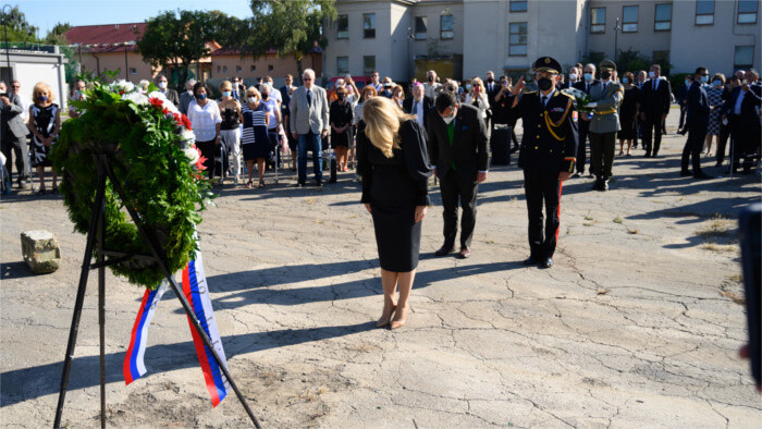 Authorities commemorated Holocaust victims
