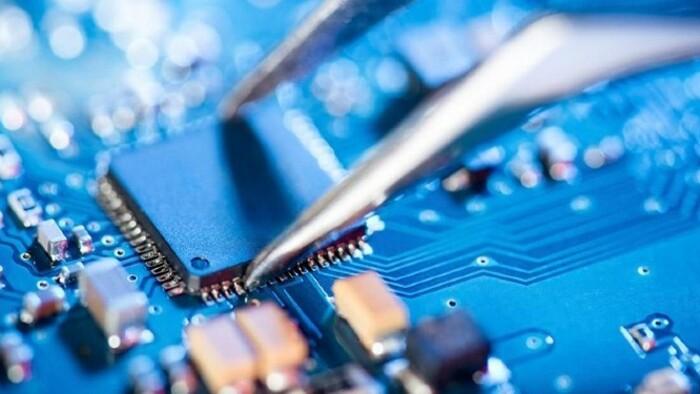 Akár 2025-ig is eltarthat a mikrochip-hiány