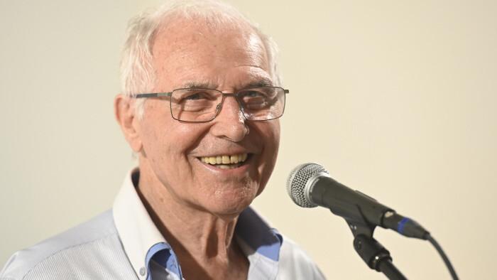 Juraj Sarvaš poetickým večerom oslávil 90 rokov