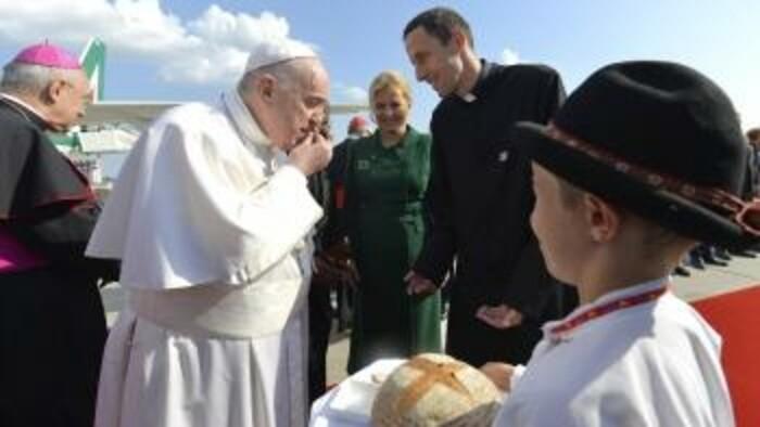 K veci: Aké dojmy zanechal pápež František na Slovensku?