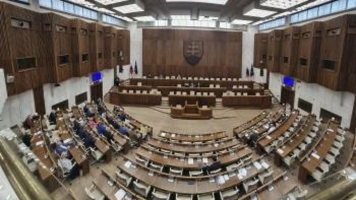 Parlament - septembrová schôdza