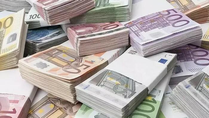 Megfogná a pénzt a kormány