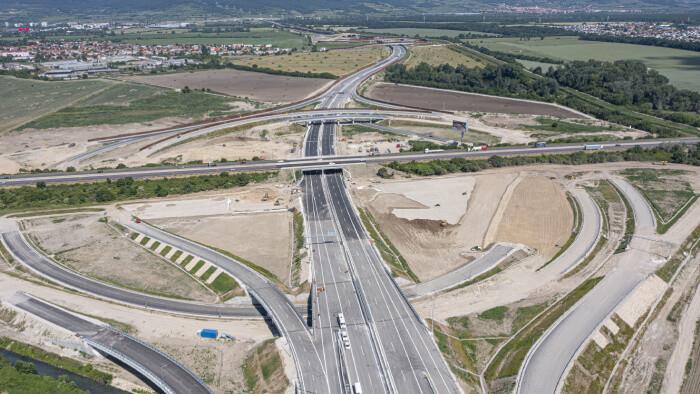 Nultý obchvat Bratislavy sa rozšíri o nové úseky D4 a R7, kľúčová križovatka nie je postavená