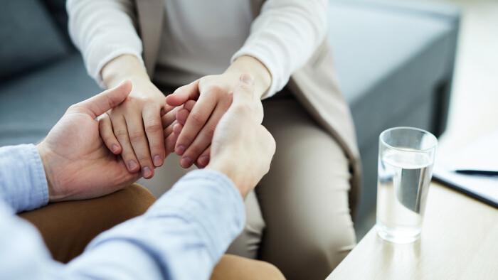 Zdravotne znevýhodneným ľuďom poskytuje odbornú pomoc