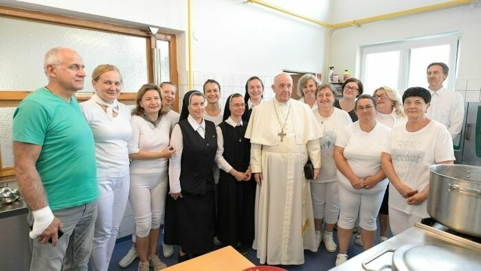 Pápež v kuchyni
