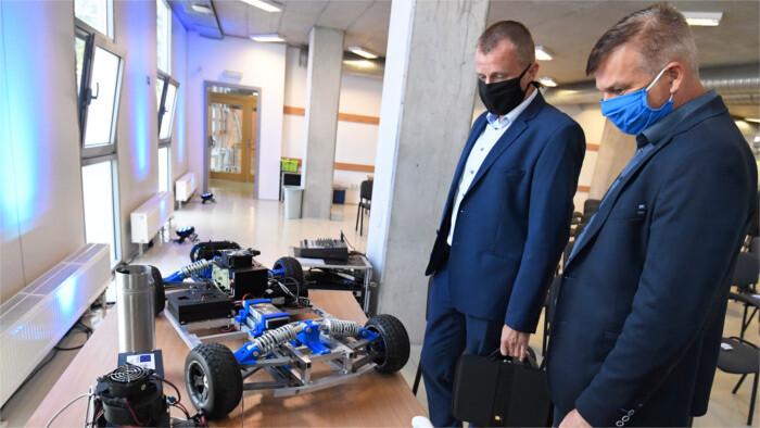 EXPO Dubaj: Svetová premiéra vodíkového auta