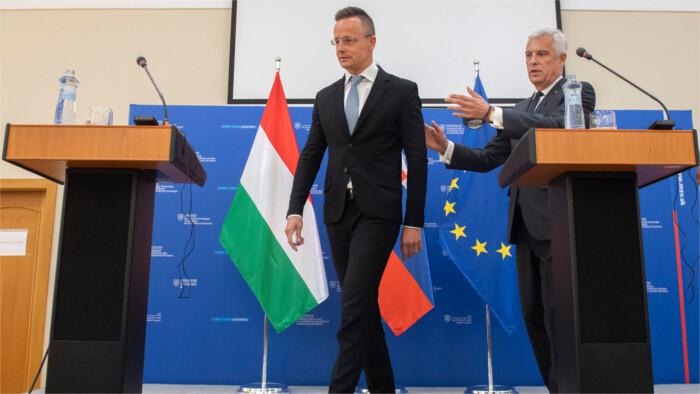 La Hongrie annule sa décision sur l'achat de la terre agricole en Slovaquie