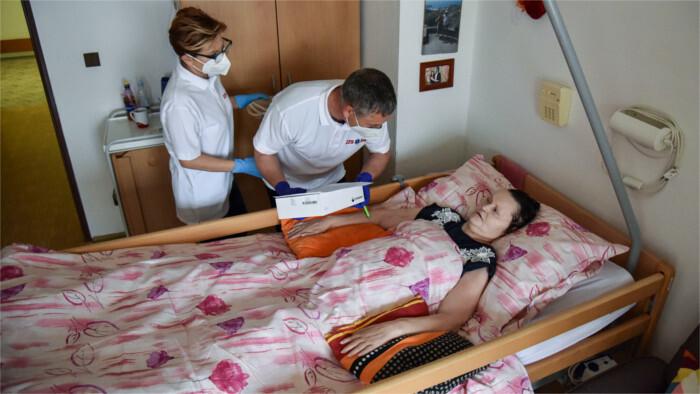 Útoky na zdravotníkov treba spoločensky odsúdiť