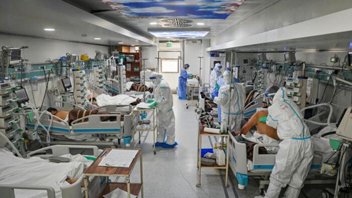 Négypercenként egy ember hal meg jelenleg Romániában koronavírusban