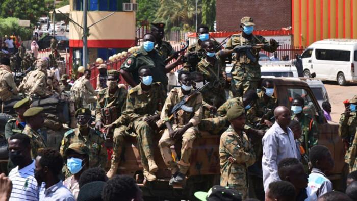 Katonák ragadták magukhoz a hatalmat Szudánban