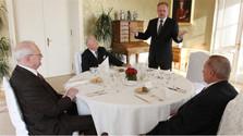 Prezidenti sa vianočnom obede o ústavných sudcoch