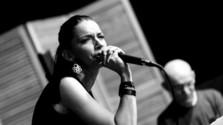 Doma dobre: Dorota Nvotová s kapelou