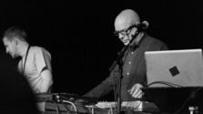 Mental_FM: Brian Eno aj Renegade Soundwave