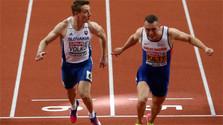 Ján Volko gana la medalla de plata en la carrera de sprint de 60 metros