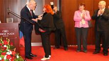 Профессор Эва Колларова награждена медалью А.С.Пушкина