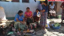 Guatemala – tyrkysové jazierka, unikátne jaskyne a vulkány
