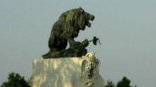 Bronzový lev na vozokanskom poli