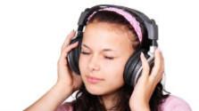 Počúvanie hudby zo slúchadiel