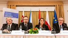 Les Ministres du travail du V4 refusent l'indexation des allocations familiales autrichiennes