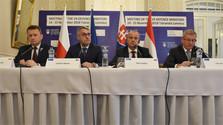V4 : Les ministres de la défense dans les Hautes Tatras